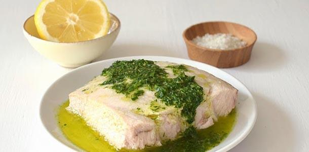 запеченный-марлин-с-соусом-из-лимона-и-трав