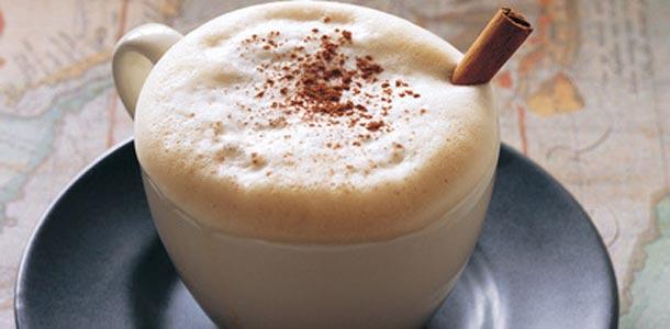 kofe-s-koricei-slivkami