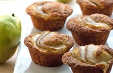 Pear-and-Vanilla-Muffins