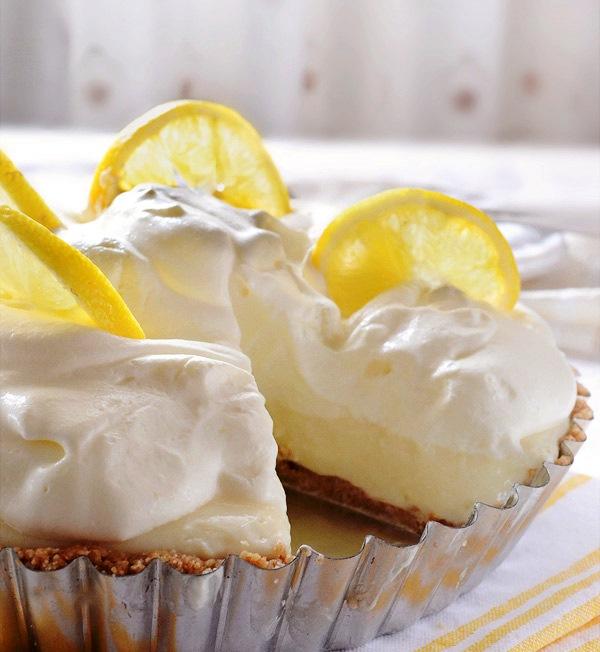 лимонный- торт- со -взбитыми -сливками