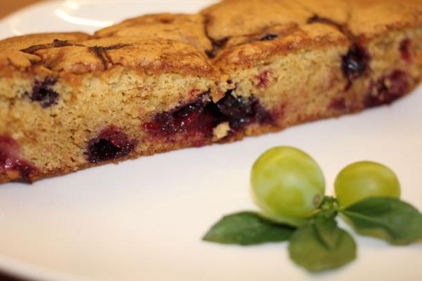 Пирог с вишней и смородиной julia-din.ru